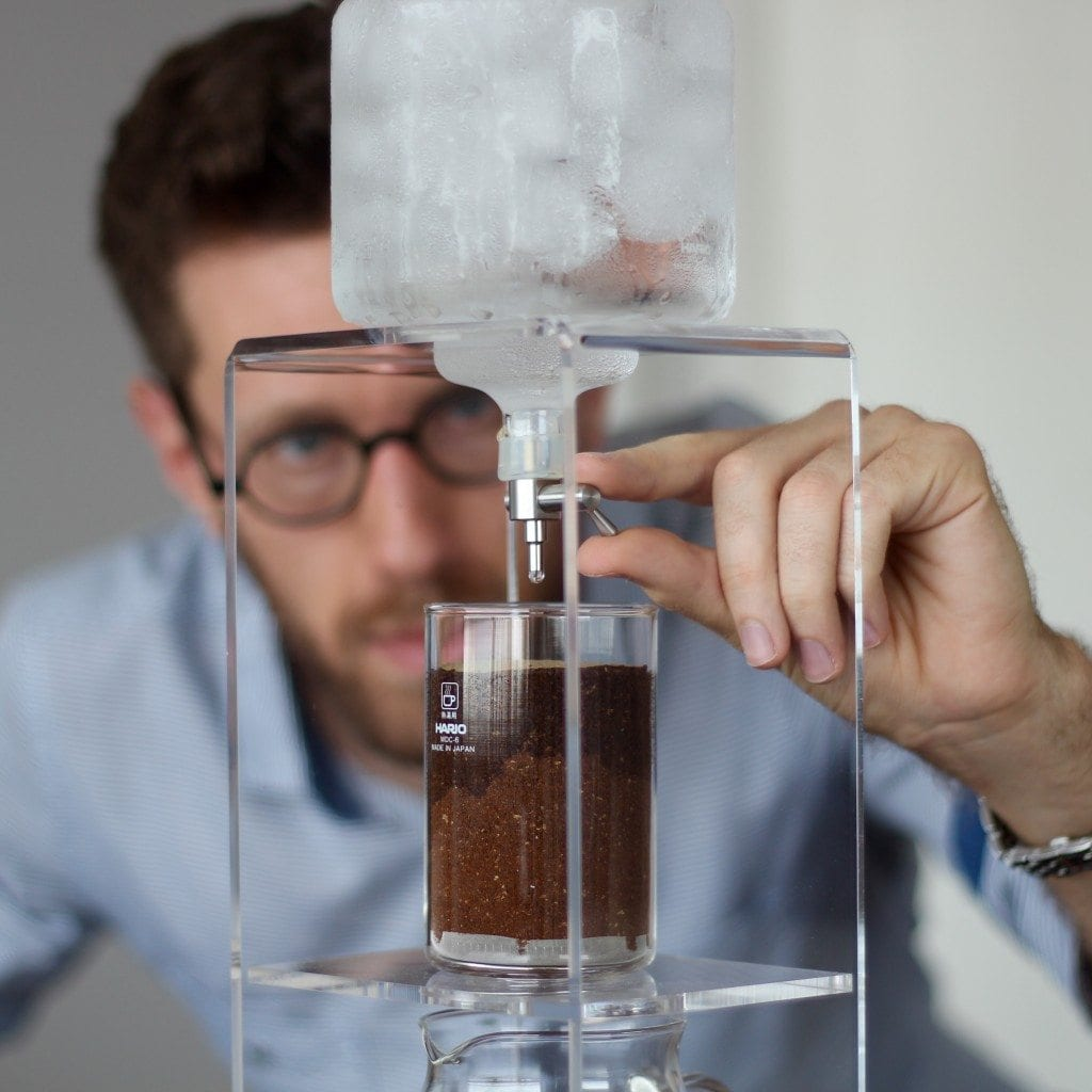 making iced coffee siphon syphon