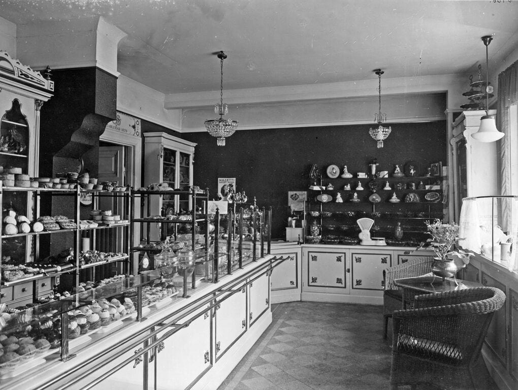 The elegant interior of a konditori from 1929