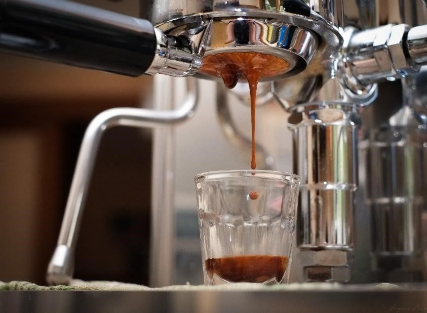 espresso shot being pulled