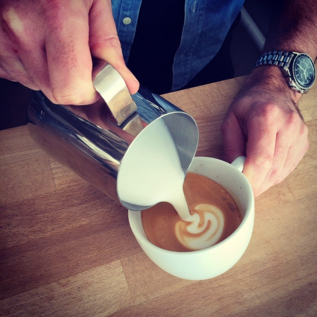latte art pour