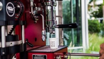 How a Specialty Coffee Cart Transforms the Consumer Experience
