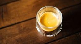 """Cómo Preparar un """"Shot"""" de Café Divino en Casa"""