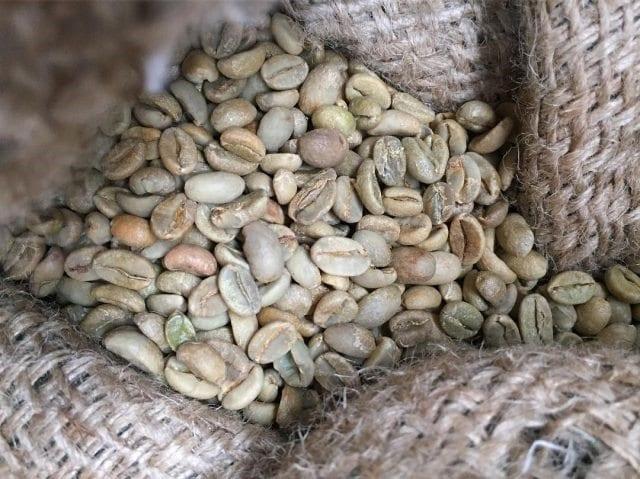 cafe en grano verde