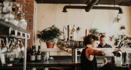 Should Your Café Offer Table Service or Counter Service?