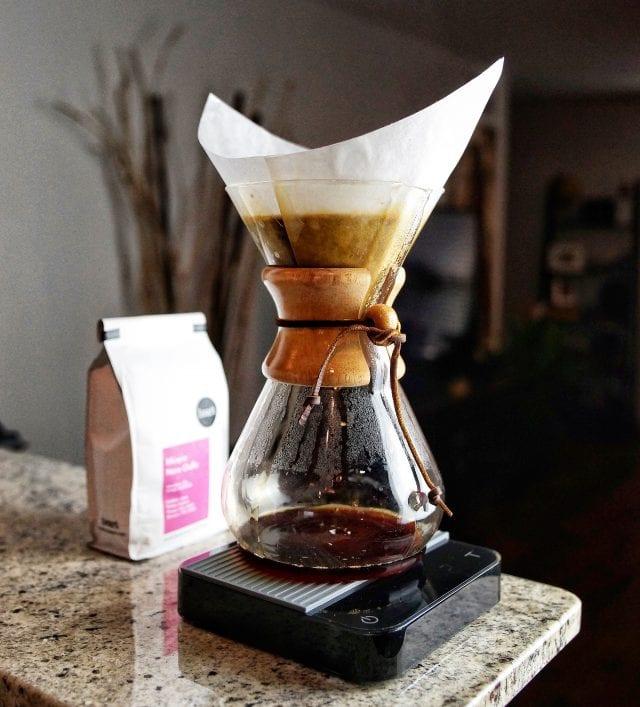 描述: coffee brewing