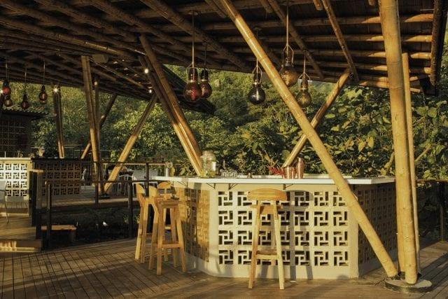 bar de cocteles al aire libre