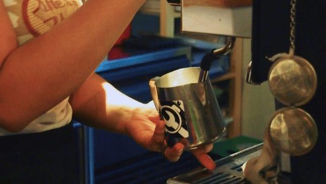 barista evaporizanod leche