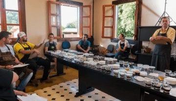 Entendiendo Cómo Sabe un Café – A Través del Lente de un Microscopio