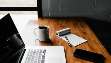 The Marketing Magic of Online Reviews & How Cafés Should Respond