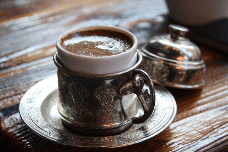 Café turco con espuma