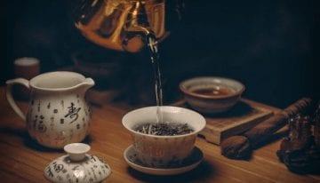 Guía de Preparación de Té: Como la Calidad de Agua Afecta el Sabor y Claridad