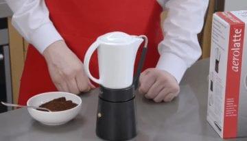Porcellana: Una Toma Innovadora de la Cafetera Moka
