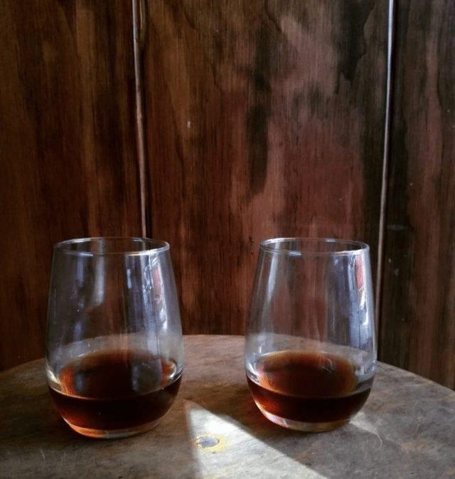 dos vasos de cafe