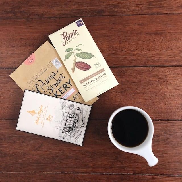 barras de chocolate y cafe