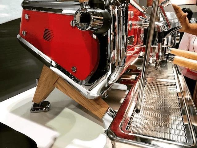 maquina espresso astoria en exhibición