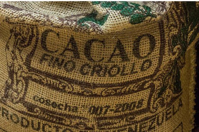 un saco de cacao listo para exportar