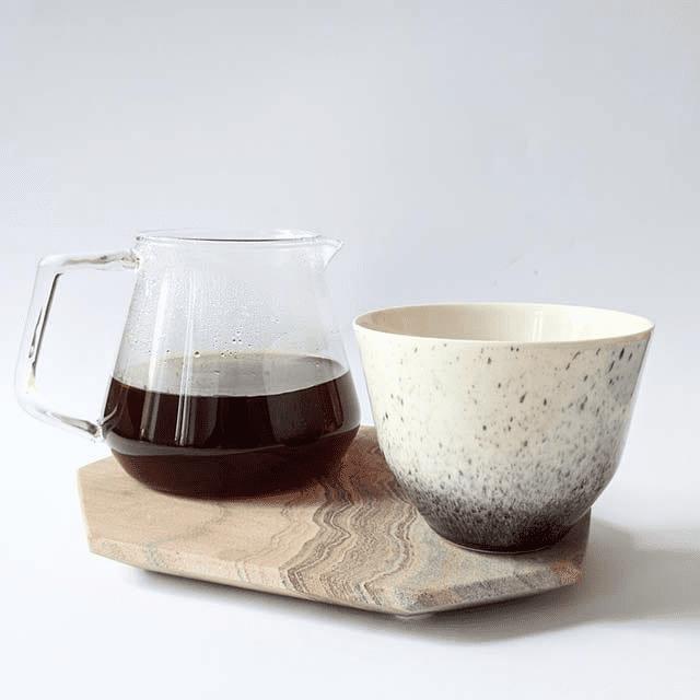 una taza de cafe