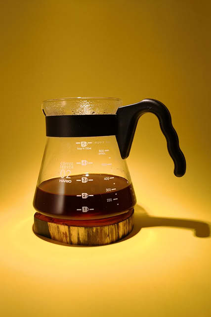 una jarra de cafe listo para ser servido