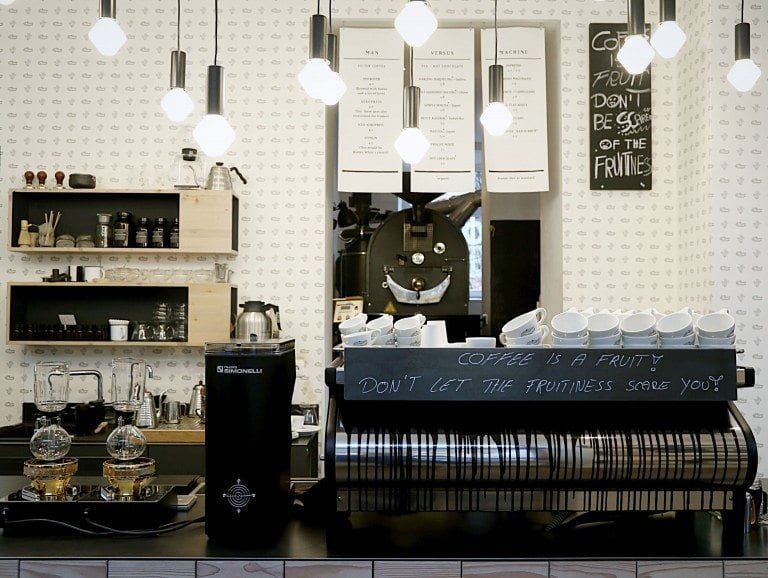 una maquina espresso lista para usar