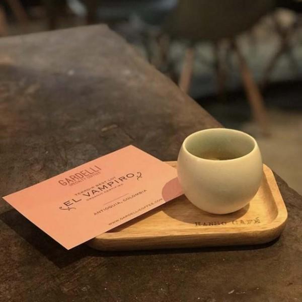 Una taza de cafe lista para tomar
