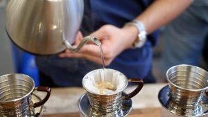Brewing coffee on a kalita wave