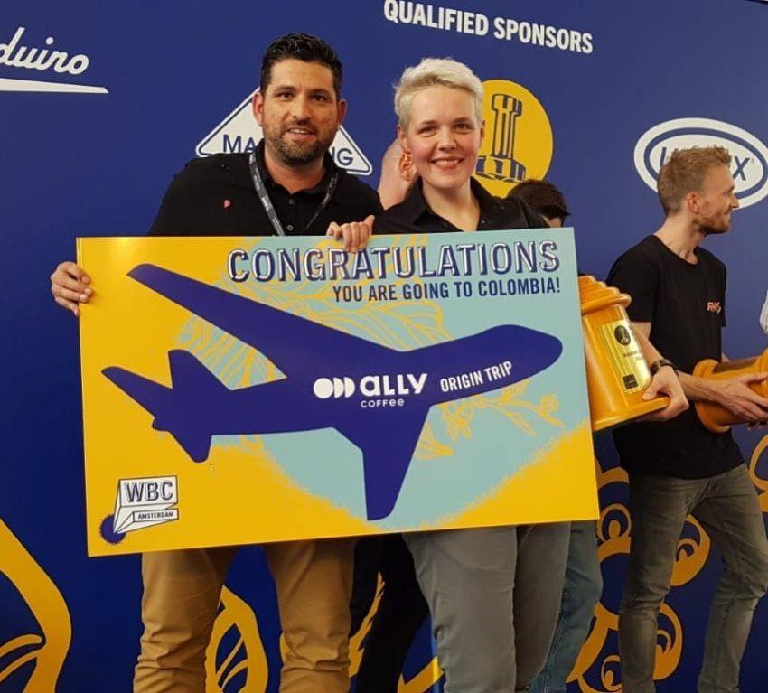 Barista recibe premio para viajar a colombia