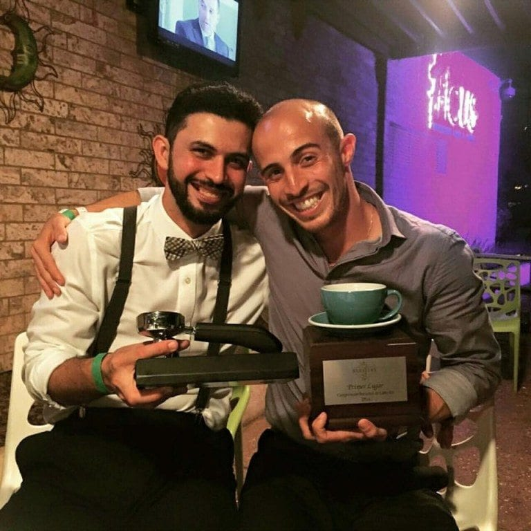 baristas muestran sus premios