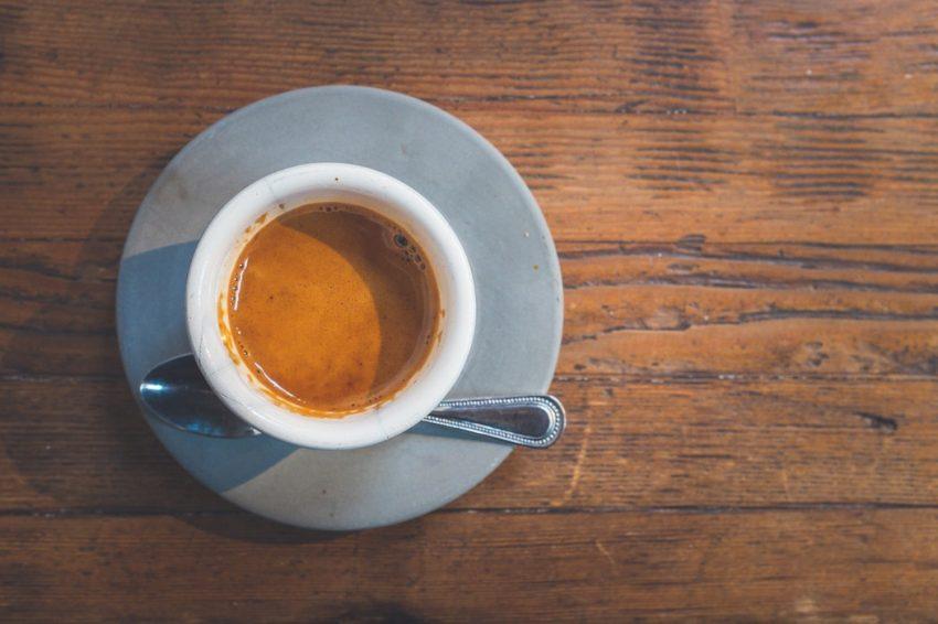 una taza de espresso
