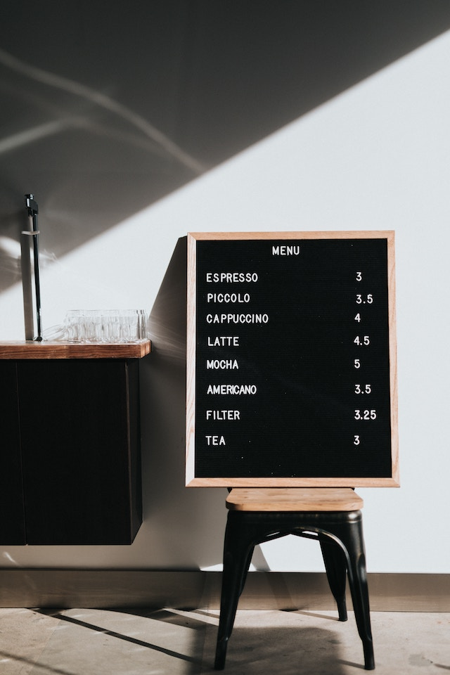 un menu de cafe