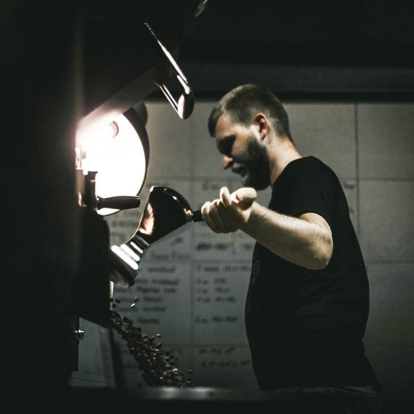 tostando cafe de origen