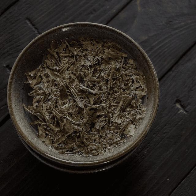 hojas de te blanco