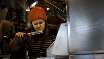 Conversando Con Las Mujeres Del Sector Del Tueste De Café