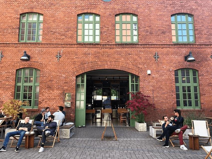 El exterior de una tienda de cafe de Berlin