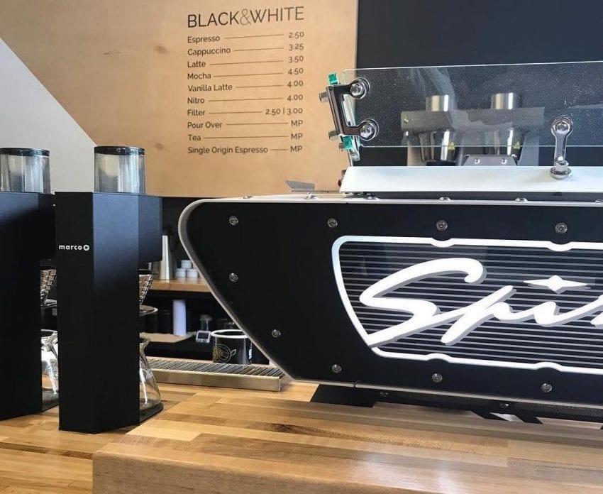una maquina de cafe