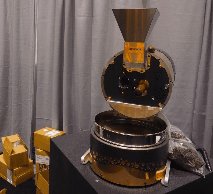 una tostadora de behmor de cobre