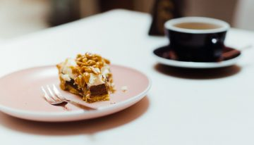 How to Create a Coffee Shop Food Menu That Minimises Waste